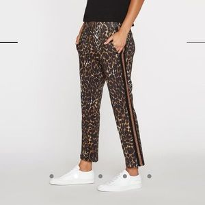 NWT size P- Pam & gela leopard crop track pant